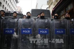 Cảnh sát Hà Lan bất ngờ bắt giữ Bộ trưởng Thổ Nhĩ Kỳ