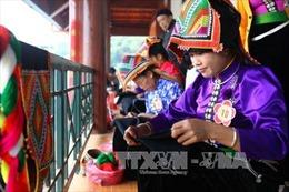 Đặc sắc hội thi thêu khăn Piêu tại Sơn La