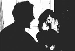 Nỗi đau đớn vì bị xâm hại tình dục sẽ theo các em suốt đời