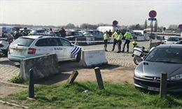 Bỉ phát hiện nhiều vũ khí trong chiếc xe đâm vào đám đông ở Antwerp