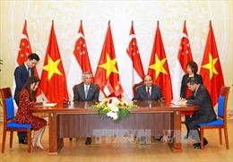 Thủ tướng Singapore Lý Hiển Long và Phu nhân kết thúc tốt đẹp chuyến thăm chính thức Việt Nam
