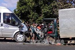 Tuyên Quang: Xe khách va chạm xe tải khiến 5 người bị thương