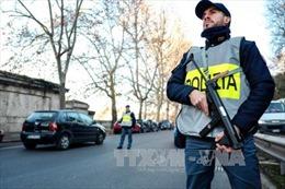Cảnh sát Italy thu nhiều vũ khí trong biểu tình chống EU