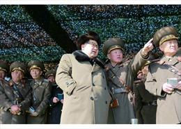 Nhà lãnh đạo Triều Tiên thị sát diễn tập tăng thiết giáp