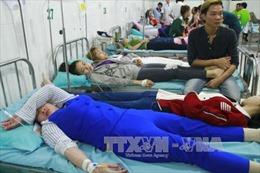 40 công nhân nhập viện nghi do ngộ độc thực phẩm