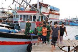 Cứu thành công 28 ngư dân Quảng Ngãi bị nạn trên biển