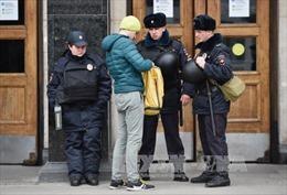 Vụ tấn công tàu điện ngầm Nga: Bắt giữ 8 kẻ tình nghi