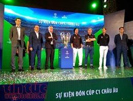 Giới hâm mộ bóng đá có cơ hội chụp ảnh cùng các danh thủ hàng đầu thế giới tại Việt Nam