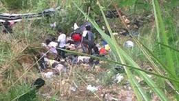 Xe buýt rơi xuống núi tại Philippines, 24 người thiệt mạng