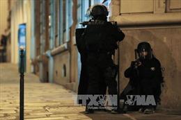 Cảnh sát Pháp bắt giữ một đối tượng cầm dao tại nhà ga