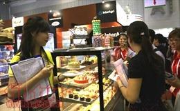 Thưởng thức nhiều món ngon tại hội chợ triển lãm Food & Hotel Vietnam