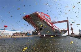 Toàn cảnh Trung Quốc hạ thủy tàu sân bay tự chế tạo đầu tiên