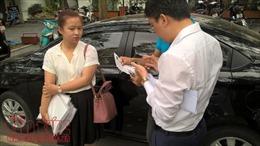 Ngại loay hoay với Iparking, nhiều người vẫn muốn trả tiền mặt