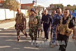 IS tấn công liều chết căn cứ Iraq nơi cố vấn Mỹ đồn trú