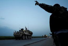 Ông Trump phê chuẩn tăng khí tài quân sự chống IS