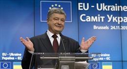Tổng thống Ukraine 'dính lỗi' khi tuyên bố 'ly hôn với Nga Hoàng'