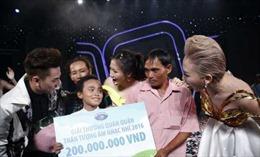 """Hát 'Còn thương rau đắng mọc sau hè"""" tại Vietnam Idol Kids 2016, Hồ Văn Cường và VTV có bị xử phạt?"""