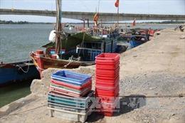 Quảng Trị: Cảng cá Cửa Tùng bị bồi lấp nghiêm trọng