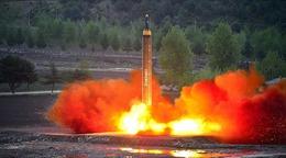 Tổng thống Hàn Quốc: Phải đối phó mạnh mẽ với vụ phóng tên lửa của Triều Tiên