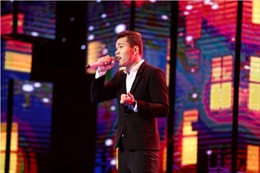 Thần tượng Bolero: Thạch Phay hát 'Đêm buồn phố thị' của HLV Ngọc Sơn bằng hai thứ tiếng