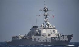 Tàu chiến Mỹ diễn tập gần đảo nhân tạo Trung Quốc ở Biển Đông