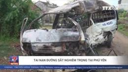 Hiện trường vụ tàu hỏa đâm trực diện xe 16 chỗ tại Phú Yên