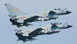 Chiến đấu cơ Trung Quốc áp sát nguy hiểm máy bay Mỹ trên Biển Đông