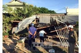 Ninh Thuận: Xe sơ mi rơ moóc mất lái gây chết người, tông sập 3 ngôi nhà bên đường