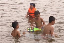 'Nóng' phòng tránh đuối nước mùa hè cho trẻ