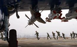 Tiếp tục các động thái cứng rắn, không quân Triều Tiên tập trận 'đánh chìm' tàu sân bay