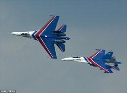 Chiến đấu cơ Nga áp sát, cách máy bay không quân Mỹ chỉ 1,5 mét