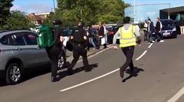 Ô tô lao vào đám đông mừng lễ Hồi giáo ở Anh