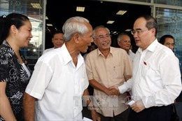 Bí thư Thành ủy Thành phố Hồ Chí Minh Nguyễn Thiện Nhân tiếp xúc cử tri