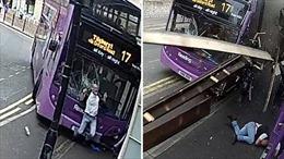Bị xe buýt đâm trực diện, người đàn ông thoát chết hi hữu