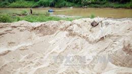 Vẫn ngang nhiên khai thác cát trái phép trên sông Đăk Pxi
