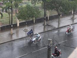 Thời tiết 6/7: Miền Bắc mưa dông, cảnh báo lũ, lũ quét và sạt lở