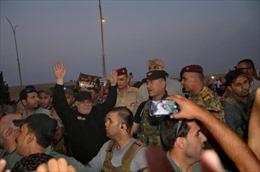 Đánh bại IS tại Mosul, Thủ tướng Iraq đích thân tới thực địa chúc mừng chiến thắng