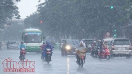 Vùng áp thấp mạnh lên thành áp thấp nhiệt đới, cuối tuần cả nước có mưa