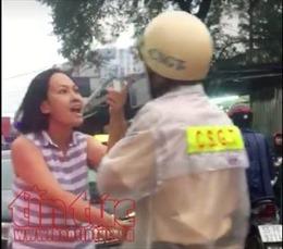 Phẫn nộ cảnh một phụ nữ đi ô tô lấn làn, lăng mạ cảnh sát giao thông