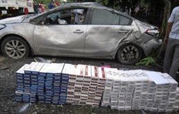 Xe chở lậu gần 5.000 bao thuốc lá gây tai nạn