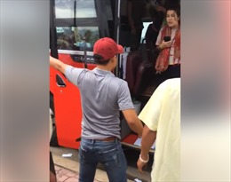 Xử lý hành vi thiếu văn hóa của nhân viên xe khách với du khách nước ngoài