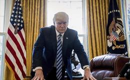 Tổng thống Mỹ Donald Trump rơi vào bẫy khi ký dự luật trừng phạt Nga?