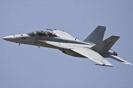 Máy bay Iran áp sát nguy hiểm tiêm kích F-18 của Mỹ ở vùng Vịnh