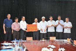 Chủ tịch Mặt trận Tổ quốc thăm hỏi người dân vùng lũ quét Mường La