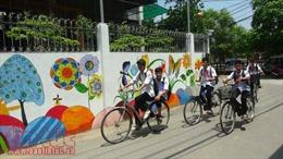 Hà Nội: Con đường 'bích họa' đầy sắc màu ở làng Đông Khê