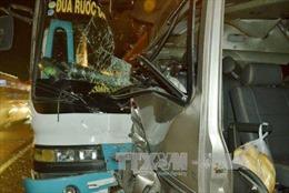 Khắc phục hậu quả vụ tai nạn giao thông đặc biệt nghiêm trọng tại Long An