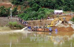 Tìm thấy thi thể hai nạn nhân bị vùi lấp trong vụ sập cầu Tuyên Quang