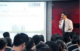 Lừa đảo gần 500 người, chủ trang mạng 'hoclamgiau.vn' bị truy tố