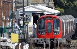 Vụ nổ tàu điện ngầm ở Anh: Bắt giữ một nghi phạm quan trọng