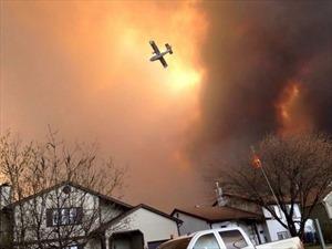 Gần 1.600 ngôi nhà bị thiêu rụi trong biển lửa Canada